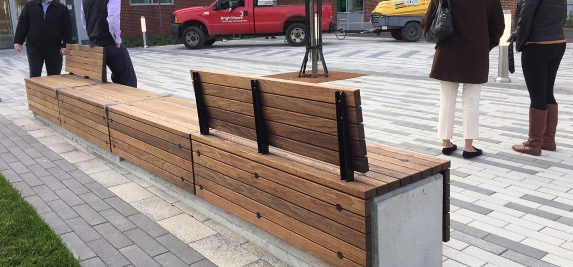 термическая древесина на улице